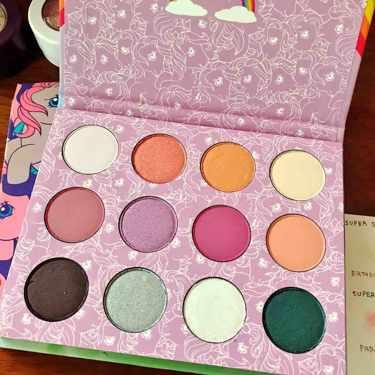 Colourpop Pressed Powder Shadow Palette(日本未発売)