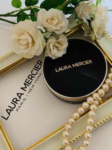 LAURA MERCIER フローレス ルミエール ラディアンス パーフェクティング クッション