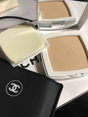 CHANEL ル ブラン コンパクト ラディアンス