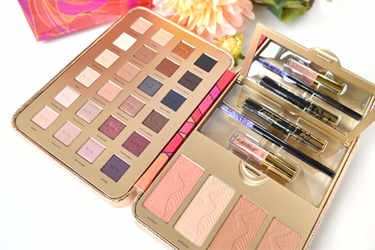 tarte アイシャドウ Pretty Paintbox Collector's Makeup Case