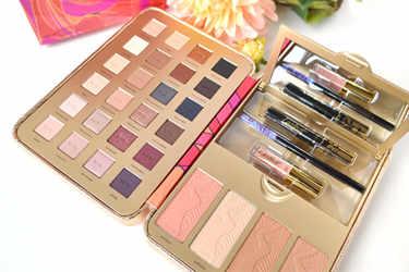 tarte アイシャドウ Pretty Paintbox Collector's Makeup Case