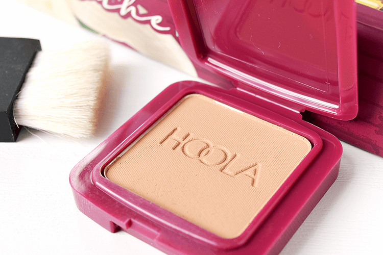 Benefit Cosmetics ブロンザー・ハイライター Hoola Bronzer