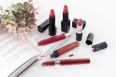 赤みブラウンリップ6種類をご紹介。ナーズ、レブロン、SHISEIDO、M・A・C。