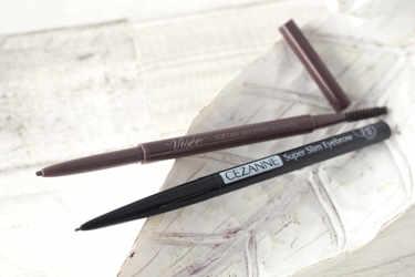 セザンヌの0.9mmの極細アイブロウペンシルをご紹介!