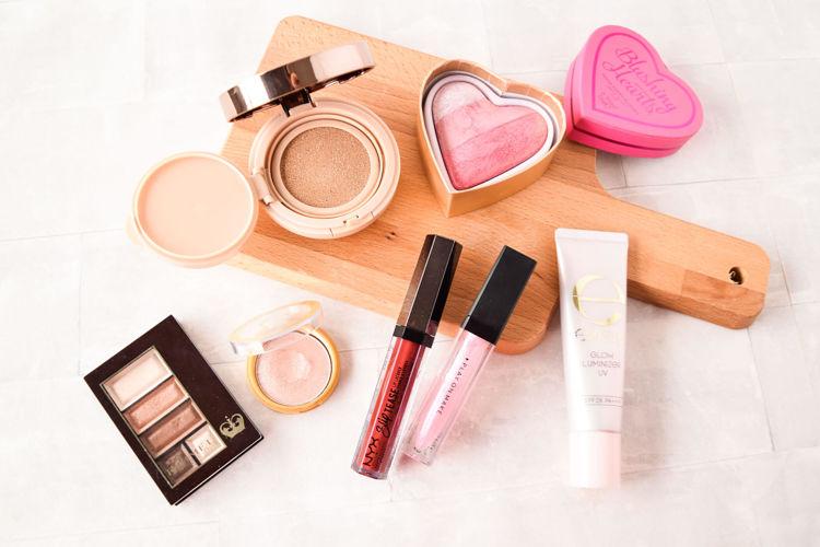 キラツヤメイクのやり方をご紹介。excel(エクセル)、TIME SECRET(タイムシークレット) 、Makeup Revolution(メイクアップレボリューション)、RIMMEL(リンメル)、NYX Professional Makeup(ニックス) 、PLAY ON MAKE(プレイオンメイク) 。