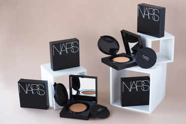 NARSの新作クッションファンデをご紹介!カバー力抜群♡ナチュラルに輝く美肌に