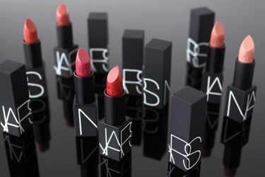 2019年9月20日発売!NARS(ナーズ)の新作全60色のリップスティックをご紹介!