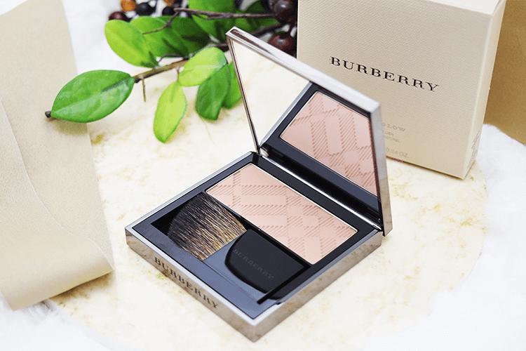 Burberry Beauty チーク ライトグロウ