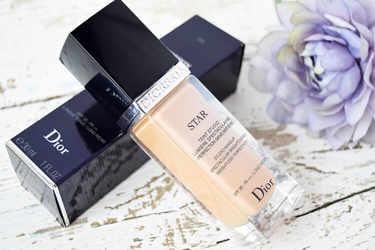 Dior ファンデーション ディオールスキン スター フルイド