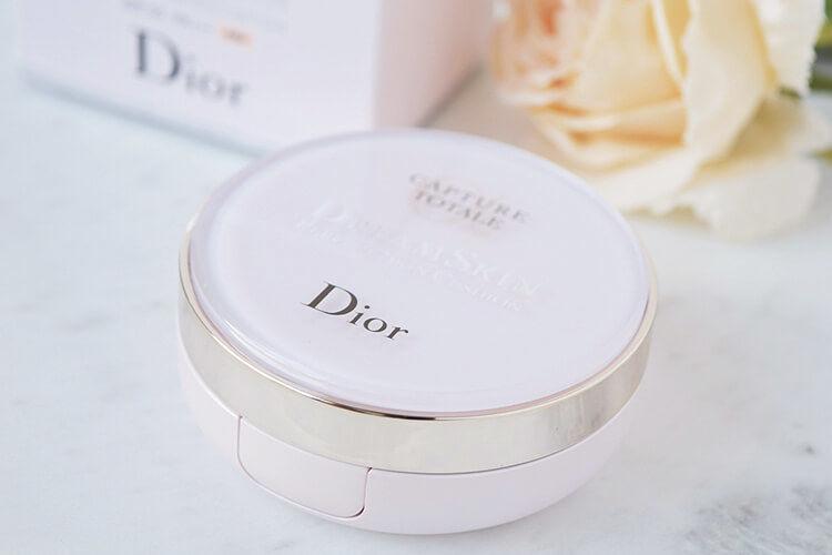 Dior ファンデーション カプチュール トータル ドリームスキン クッション SPF50-PA+++