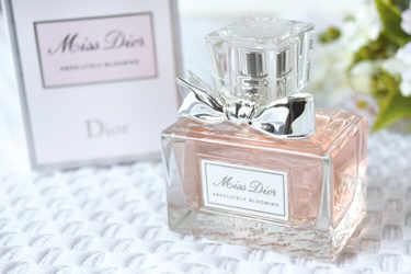 Dior 香水・ヘアミスト アブソリュートリー ブルーミング