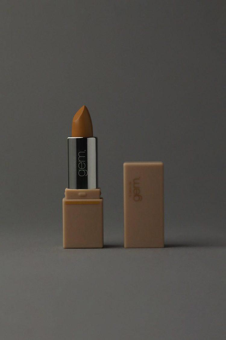 la peau de gem. gemini lip stick