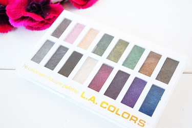 L.A.COLORS 16 COLOR EYESHADOW