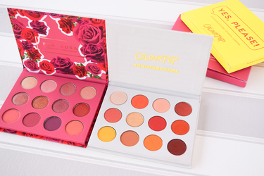 Pressed Powder Shadow Palette(日本未発売)